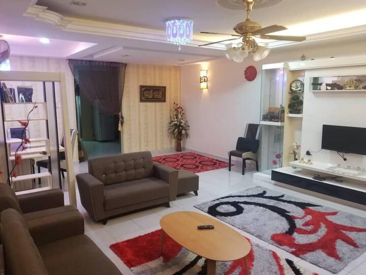 Firdaus homestay Batu pahat ( Muslim only)