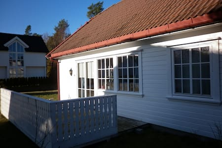 Hus i Homborsund er ledig i juli måned - Grimstad
