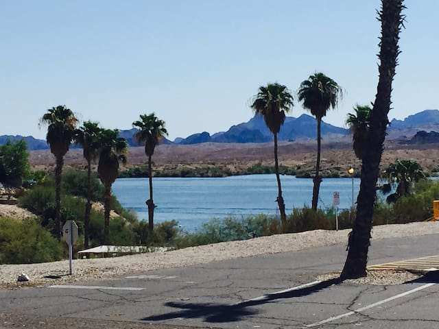 Lakefront with private water access - Lake Havasu City - Casa