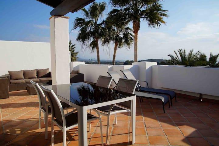 Luxurious Penthouse in Finca COrtesin