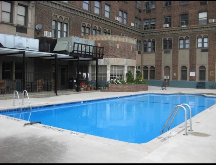 Detroit Midtown 1 large bd 2 full bath