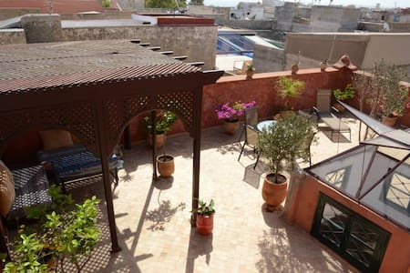 Superbe riad rénové, commerces plages et golf - El Jadida - Rumah