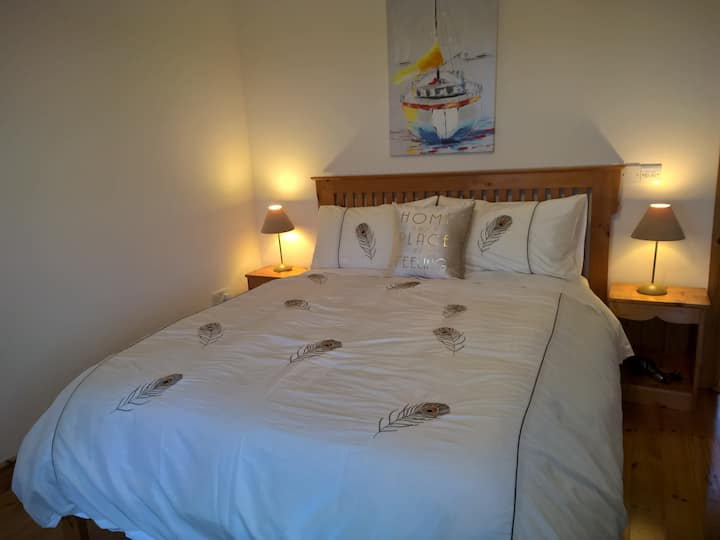 Private double room near Doolin; private entrance.