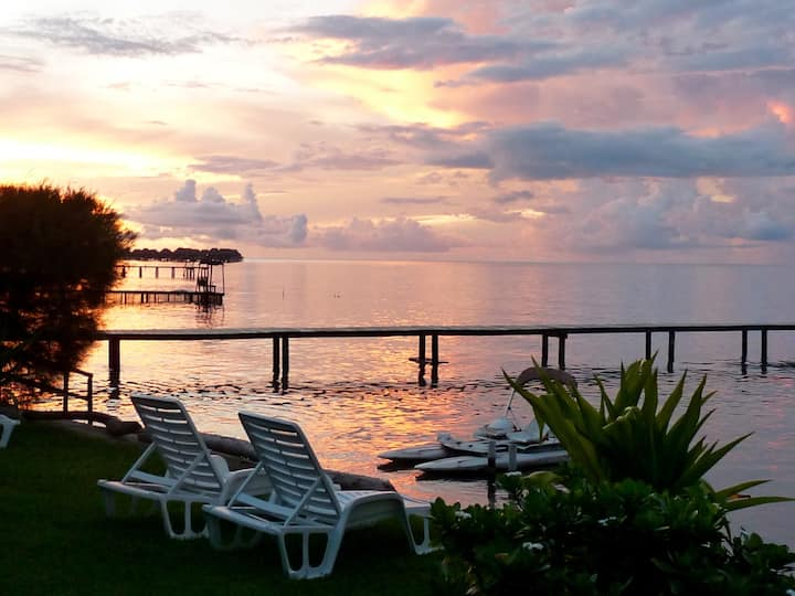 Privacy by the lagoon: guest cottage 2 people