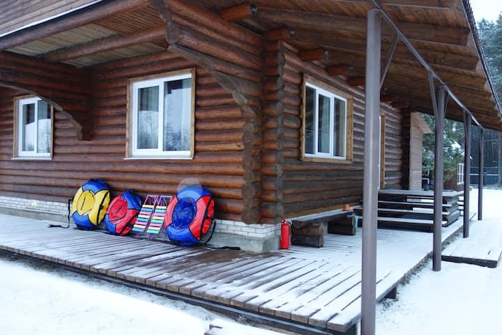 Уютный дом с камином Брусничный для всей семьи