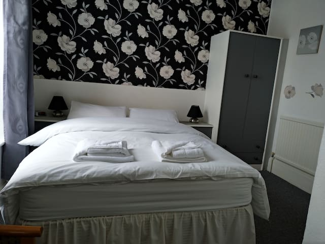 Double room - Private bathroom, Breakfast, Parking