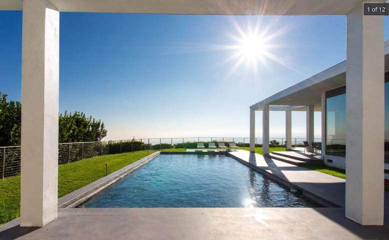 Private 4BD/4BA Beverly Hills Modern View Home