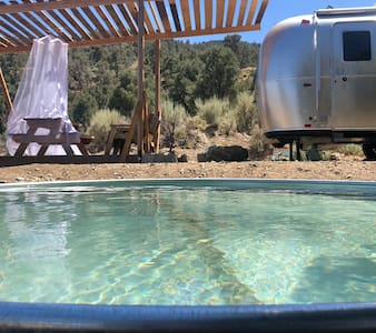 22' Airstream / Angeles Crest Creamery
