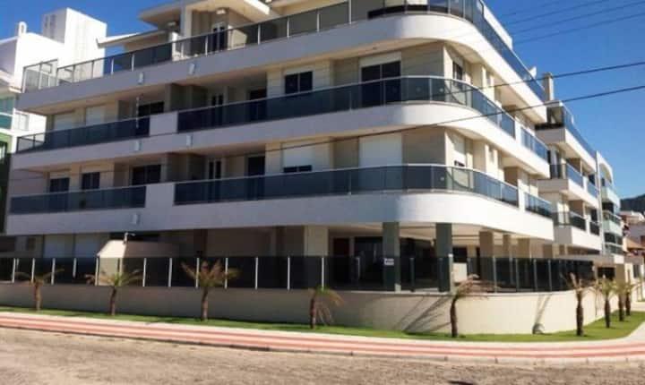 APARTAMENTO AÇORES - condomínio frente ao mar