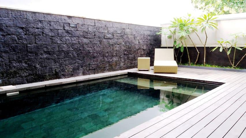 Villa avec piscine et vue sur le grand port