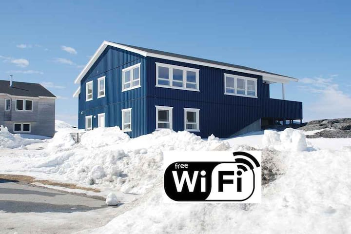 Wonderful private apartment with great view - Nuuk - Apartmen