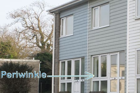 'Periwinkle' No 41 Freshwater Bay Holiday Village - Holiday Village - Casa