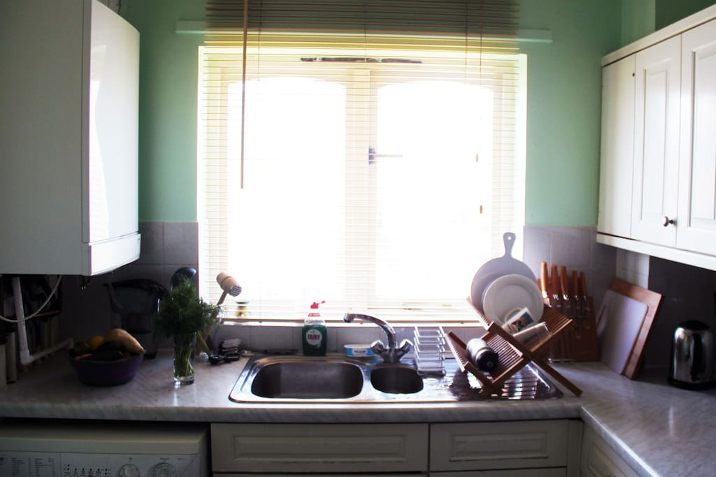 Spacious kitchen with all facilities, washing machine and plenty of kitchenware