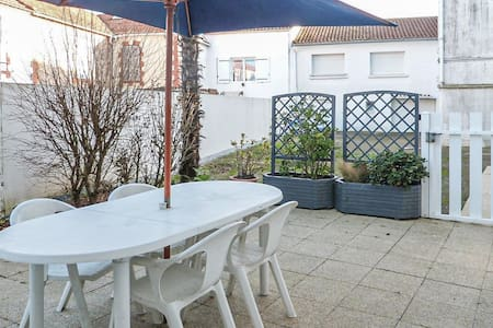 Holiday apartment with 2 bedrooms on 50m² in La Tranche sur Mer