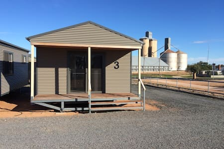 WAGON INN self contained unit 3 - Lascelles