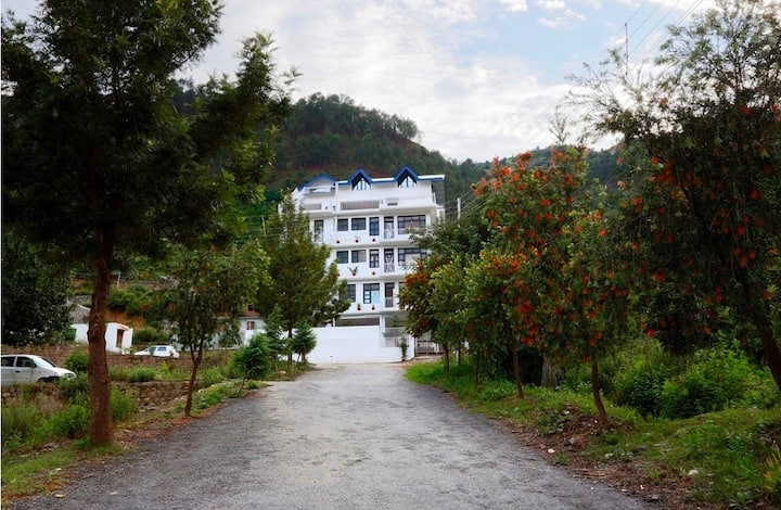 complete harmony with nature, a luxury retreat