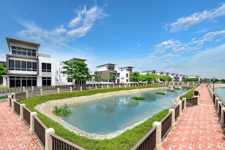 Riviera Cove- Waterfront and exclusive villa - Ho-Chi-Minh-Stadt