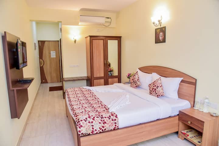 Elegant standard room close to Candolim beach