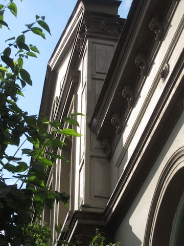 15qm² Zi in denkmalgeschützten Haus - Nähe Messe - Hannover - Villa