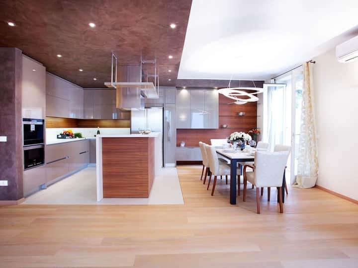 Residence Sala Comacina apartment 3 sleeps 8