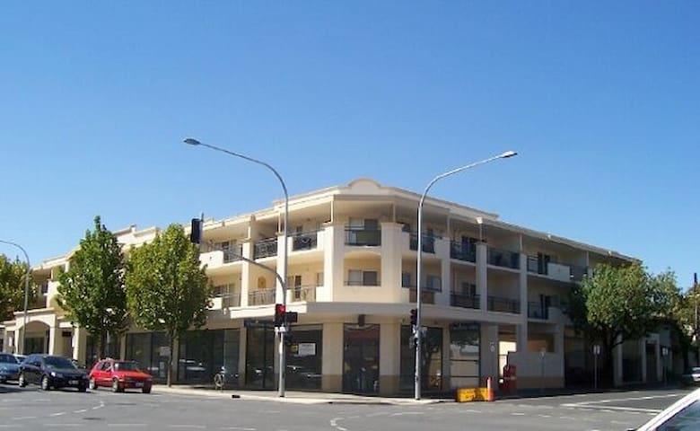 Private single room at Chelsea Apartment - Adelaide - Apartment