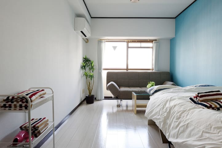 Near Namba! Cozy Private Apartment (5min to Sta) - Ōsaka-shi - Huoneisto