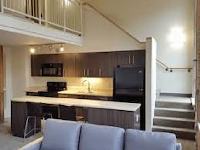 Comfortable and spacious place near Downtown Mke