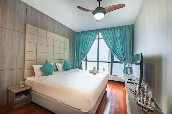 Modern & Luxury Seaview condo @ Oceanus Waterfront