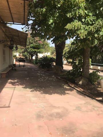 Meravigliosa Villa , immersa nella natura .