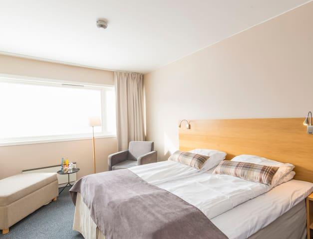 Hotellrom midt i naturen, 40 minutter fra Kjerag!