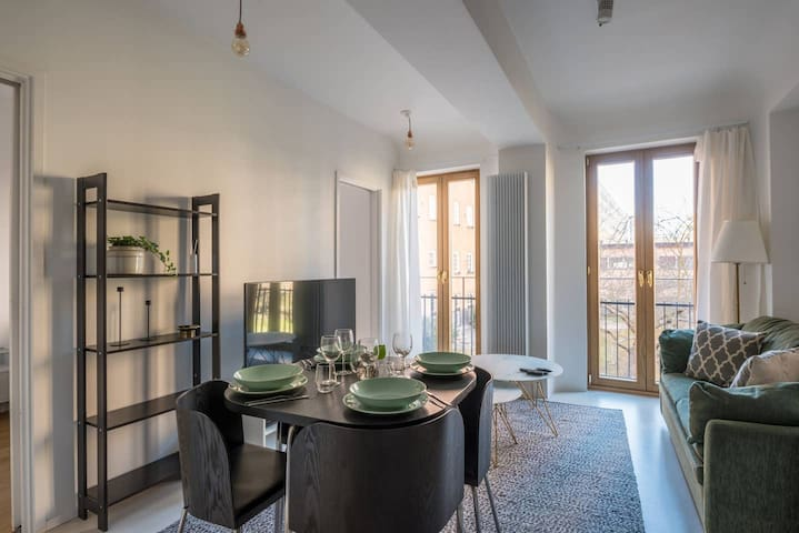 Bright apartment perfect for families or companies of 4