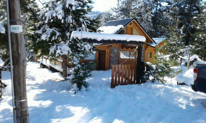 EN LA PENI. Hermosa cabaña en el bosque