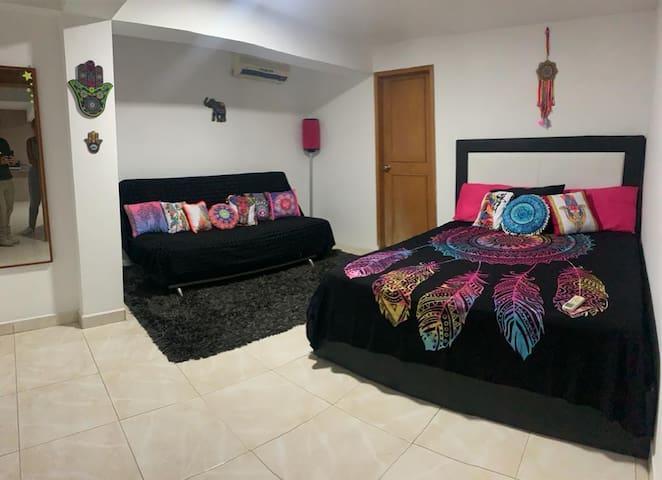 Cuarto principal con sofa cama