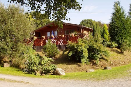 Self contained Pine Lodge - 12 miles from Cardiff - Rhondda Cynon Taff
