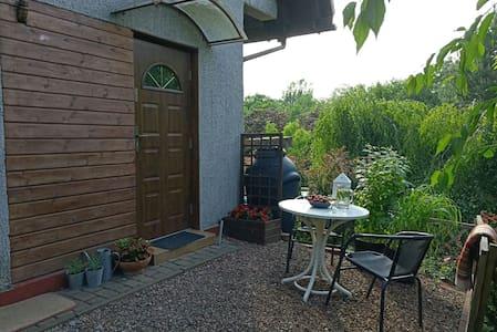Przytulne 2bed studio w bajkowym ogrodzie- Cieszyn