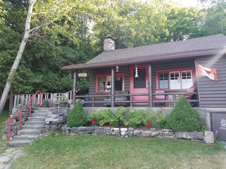 The Bayview Cottage in Gore Bay, Manitoulin Island