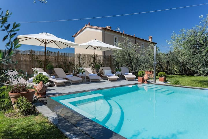 A/C Villa with Amazing Views, SPA & Private Pool with Jacuzzi Close to Lucca Town Property overview