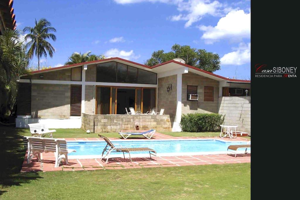 Casa con piscina y ranch n siboney casas en alquiler en for Casas con piscina en la habana