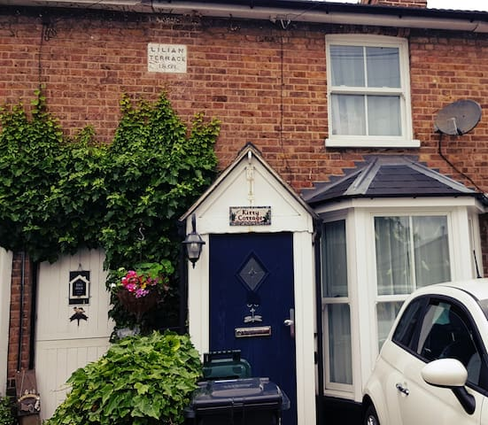 Two bedroom town centre cottage