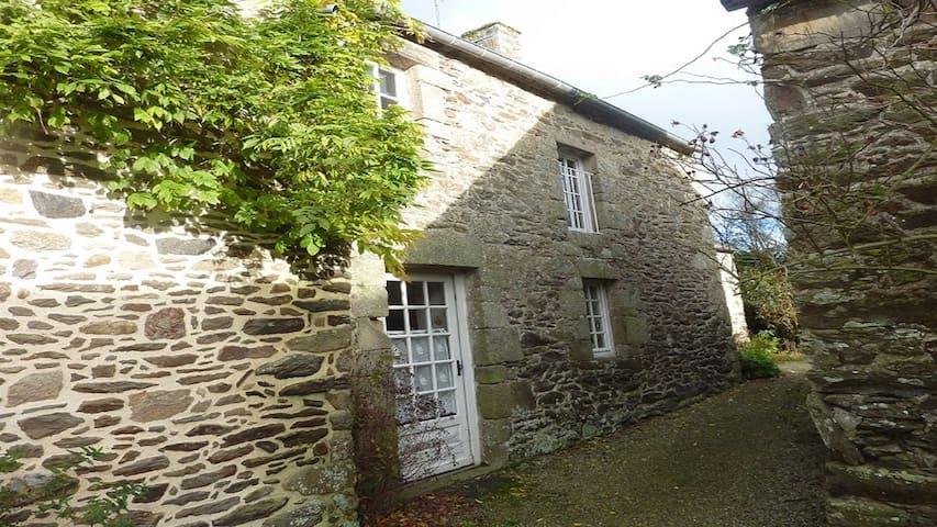 Maison en pierres dans site naturel - Pléven - Huis