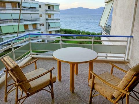 Apartament al mar prop d'Atenes