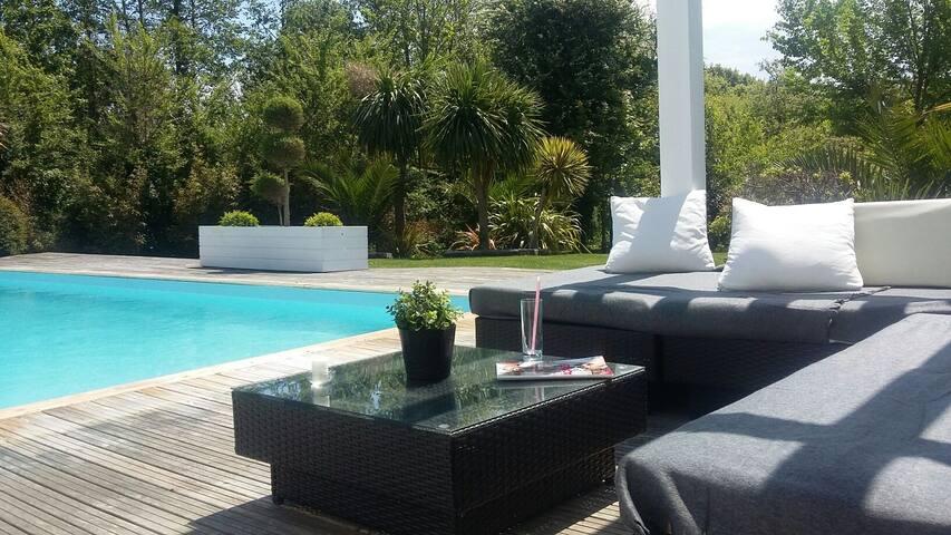 COTE OCEAN   appartement avec piscine chauffée