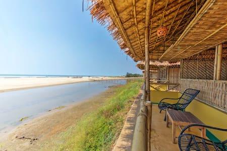 Bliss Beach Front, Natural Bamboo Cottage - Mandrem - Egyéb