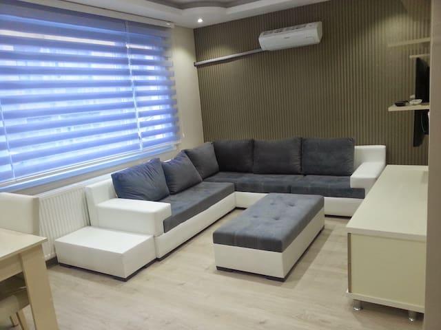 Anas ٍSeyahat - Mezitli - House