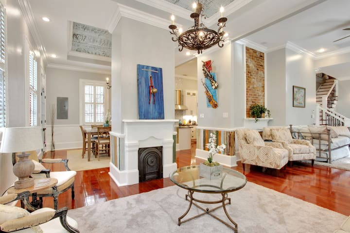 High-End Artsy Oasis, near French Quarter