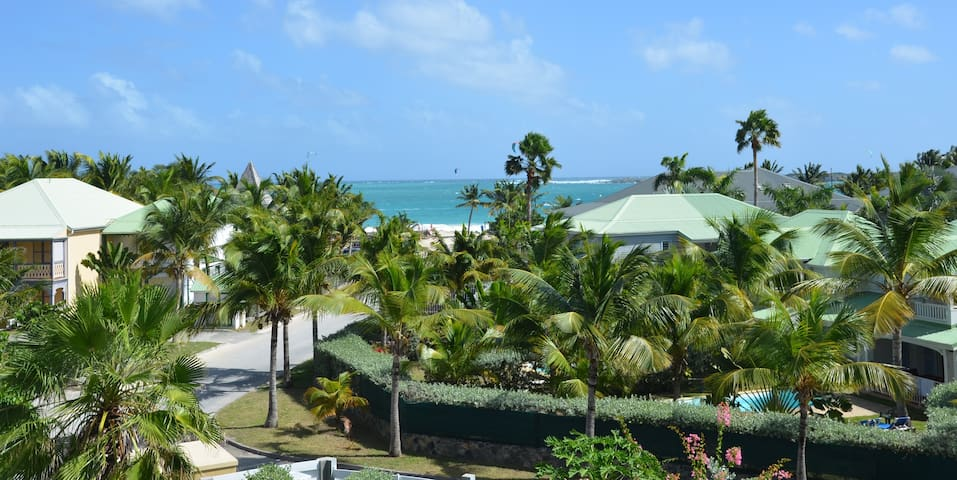 """Villa """"Orient-Caraibes"""" à la plage d'Orient bay"""