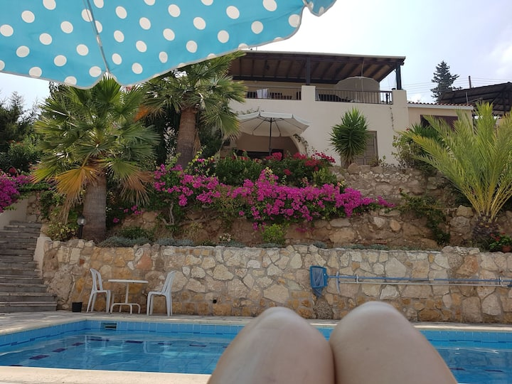 Maggie's Magical Views Villa With Private Pool!
