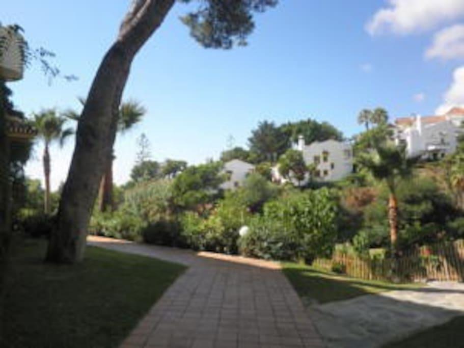 Gardens - Jardines