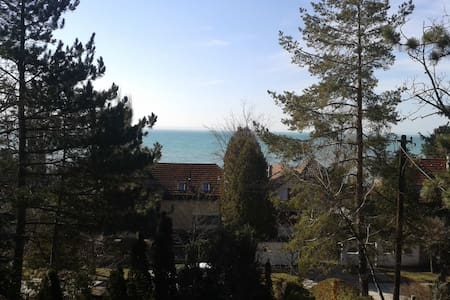 5 BDR house at lake Balaton - Balatonkenese - 独立屋