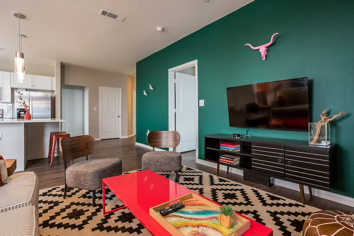 Modern 2BR in South Congress #477 by WanderJaunt